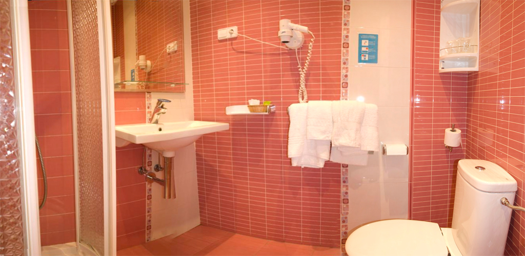hostal con baño privado Madrid